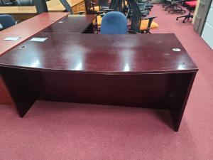 6' X 7' Bowfront Desk w/2 File Pedestals
