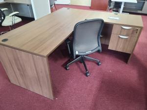 Walnut 66 x 72 L Desk w/1 File Pedestal