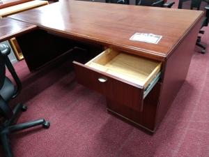 Wood Veneer U Shape Desk 2